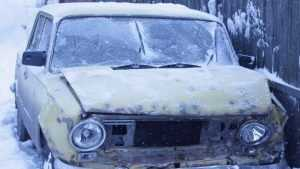 Под Комаричами разбились ехавшие на крыше автомобиля девушки