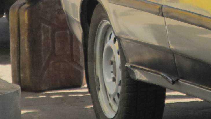 В Клинцах водителя избили воры, сливавшие бензин
