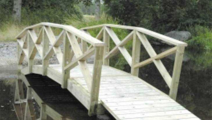 В Белых Берегах начали строить арочный Белый мост