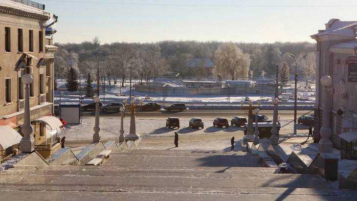 В Брянске на бульваре Гагарина отделочные работы приостановил мороз