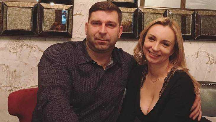 Жену руководителя Почепского района осудили за пособия