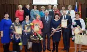 Ректор Николай Белоус поздравил лучшего учителя Выгоничского района