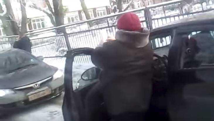 Забавное видео о битве водителей раззадорило брянцев