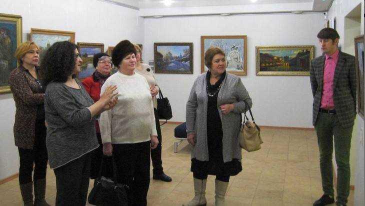 В центре Брянска на Октябрьской открылась галерея «Перформенс»