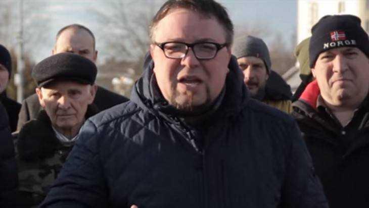 В Брянске внезапно подрались друзья беглого бизнесмена Коломейцева