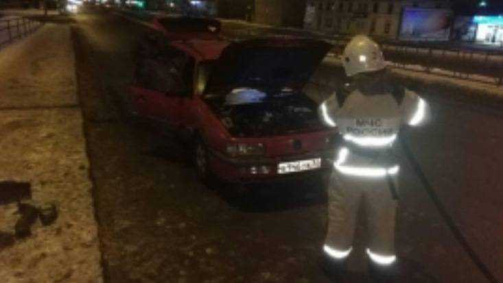 В Брянске на Московском проспекте вспыхнул Volkswagen