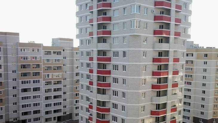 Многоэтажки Брянска стали судачащей интернет-деревней