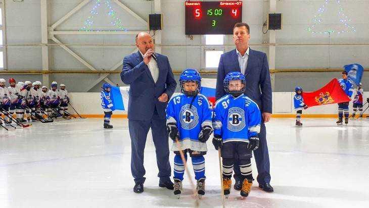 В Трубчевске стартовал чемпионат Брянской области по хоккею