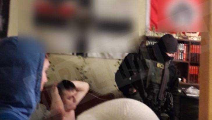 В Брянске задержали банду неонациостов с фашистской символикой