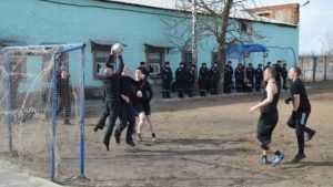 В брянских колониях заключенным покажут чемпионат мира по футболу