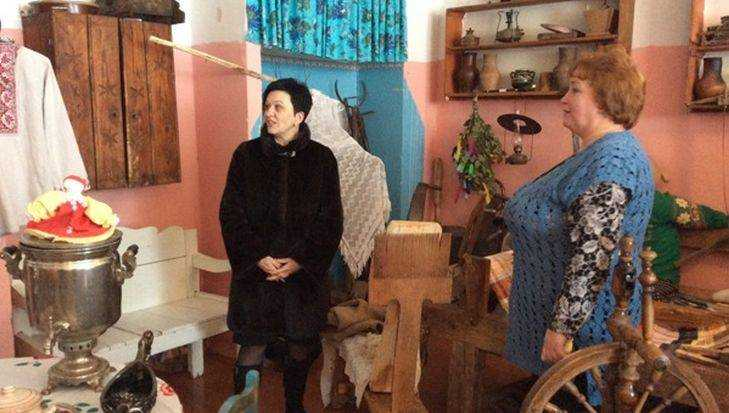 Миронова осмотрела здание Жирятинского культурно-досугового центра