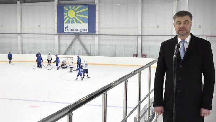 Президенту Путину показали дворец в брянской Суземке