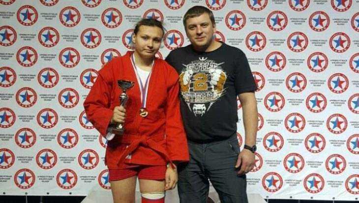 Брянская самбистка Зайкина завоевала «золото» на первенстве России