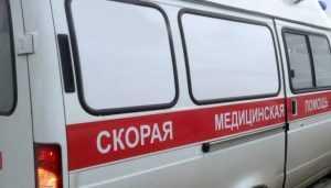 В Брянске на остановке возле драмтеатра скончался мужчина