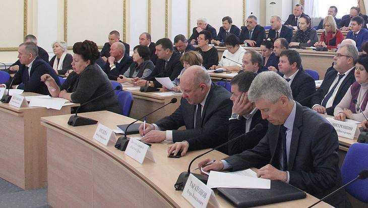 На госзакупках за год брянские власти сэкономили 746 миллионов рублей