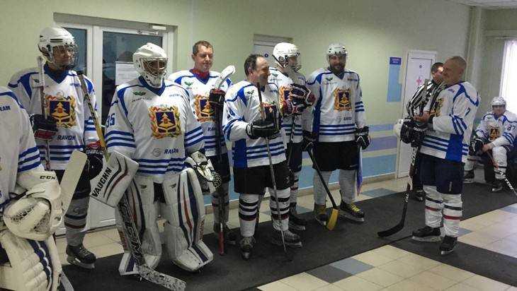Участники Putin Team выиграли у брянских хоккеистов со счетом 10:9