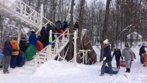 Брянские дети показали, как надо относиться к снегопадам