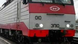 Под Брянском УАЗ попал под поезд – погибли четыре человека