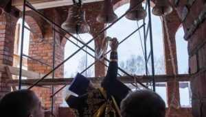 В городе Дятькове освятили колокола храма Сергия Радонежского