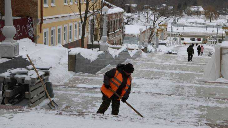 В Брянске мороз приостановил работы на лестнице бульвара Гагарина