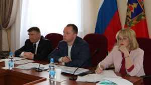 До 2020 года в Брянской области построят 10 бассейнов и ледовых дворцов
