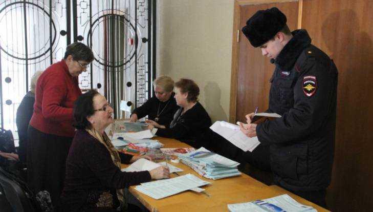 За порядком на выборах присмотрят брянские казаки и 4000 полицейских