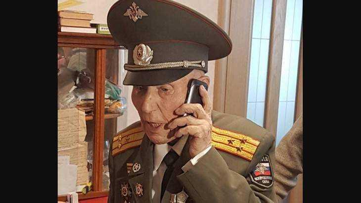Брянец проголосовал на выборах в Волгограде в день своего 98-летия