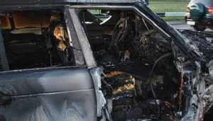 В Новозыбкове ночью сгорел внедорожник Range Rover