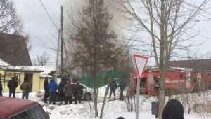 В Брянске на улице Суворова крупный пожар потушили за час