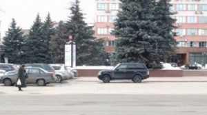В Брянске водителя джипа оштрафовали за стоянку на площади Ленина
