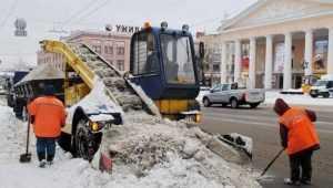 В Брянске дорожников накажут за свалки снега на берегу Десны