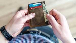 В Брянске коммерсанта осудили на полтора года за аферу на 4 млн