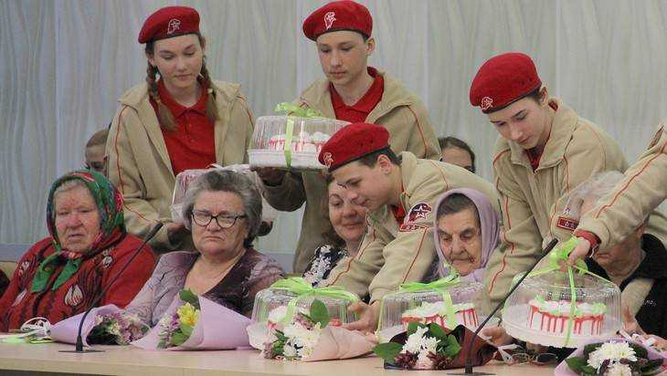 Пособия родителям и вдовам погибших брянских героев подняли до 18 тысяч