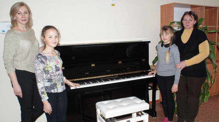 Музыкальным школам Брянской области подарили 19 новых пианино