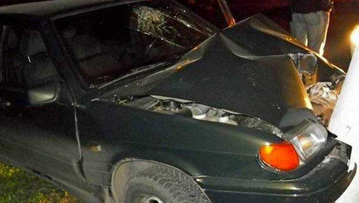 В Дятькове пьяный водитель ВАЗ врезался в дерево и перевернулся