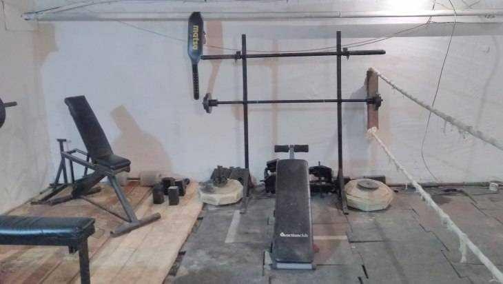 В Новозыбкове вандалы разгромили детский спортивный клуб