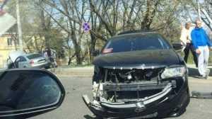 На улице Калинина в Брянске столкнулись Audi и Toyota