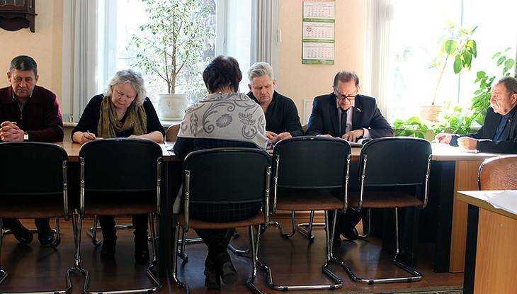 Группа сонных брянских депутатов поразила избирателя