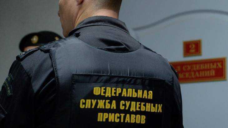 В Брянске скупой житель задолжал 70 тысяч рублей за газ и свет