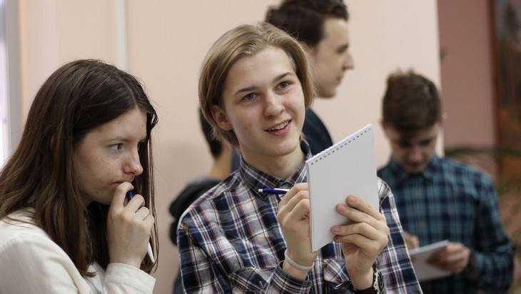 В Брянске подвели итоги сезона «Что? Где? Когда?» среди школьников