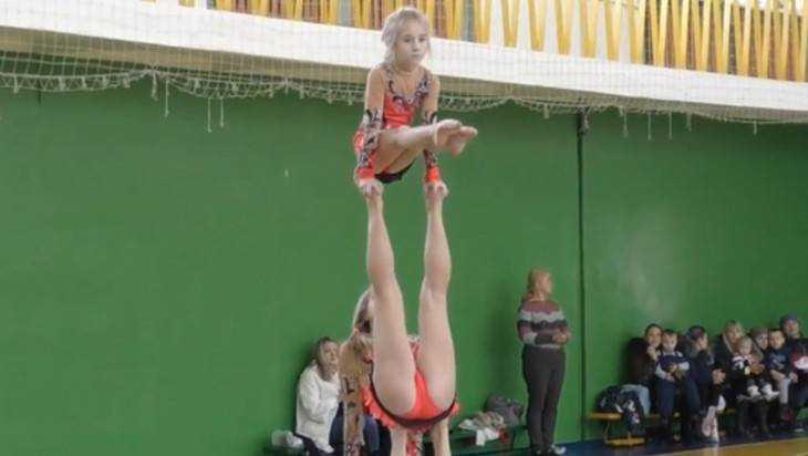 Брянские акробатки с блеском выиграли первенство ЦФО