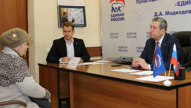 Председатель Брянской думы Владимир Попков провел прием граждан
