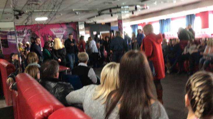 В Брянске в ТРЦ Тимошковых возмущенные арендаторы провели собрание