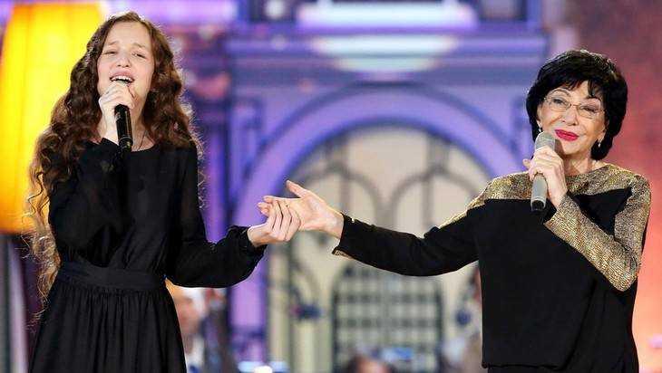 Для взлета брянской певицы Юли Малиновой понадобилась горстка голосов