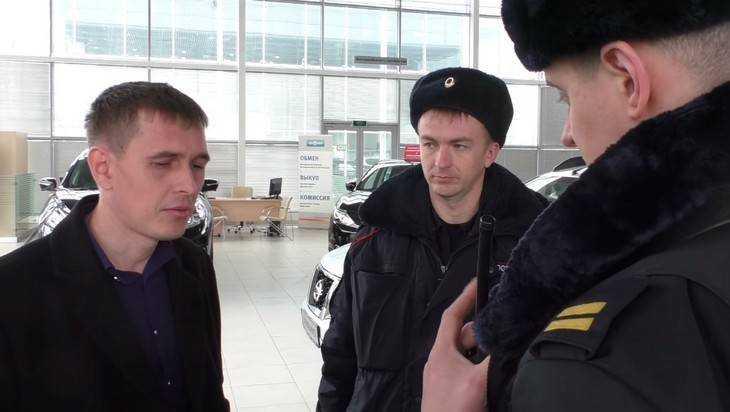 Брянцев увлек скандал с проданной салоном «Автомир» иномаркой