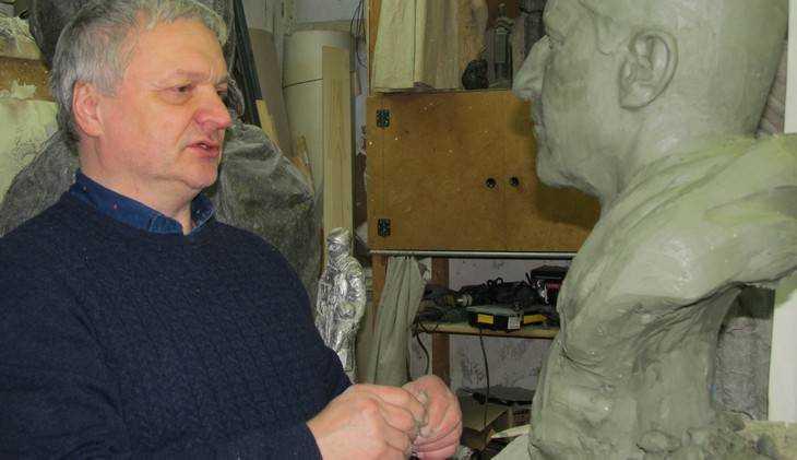 В Брянске скульптор Ромашевский представит памятник Кириллу и Мефодию