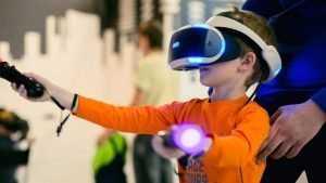 Жители Брянска смогут управлять роботами взмахом руки