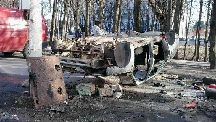Брянцы предложили отвезти на площадь Ленина разграбленный автомобиль