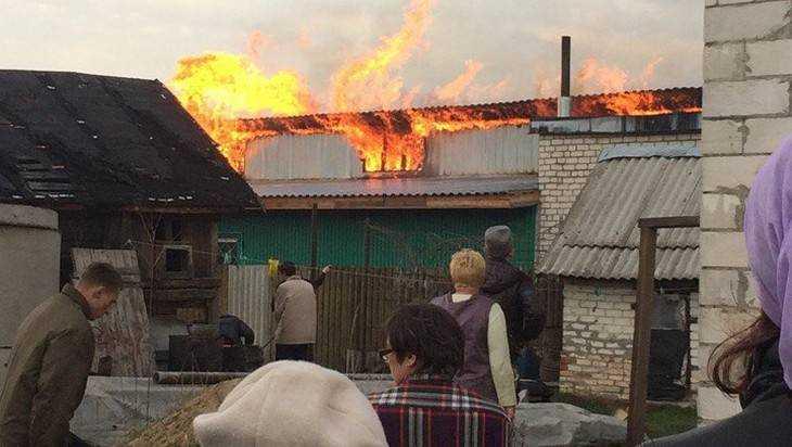 Под Брянском сгорела мебельная фабрика