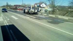 В посёлке Нетьинка на остановке сгорела маршрутка № 161